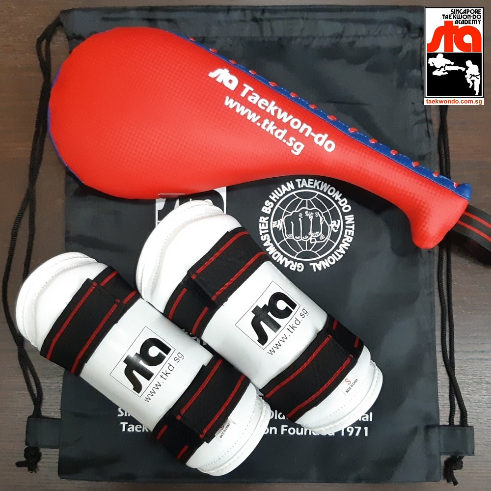 Package Set A Hand Mitt Arm Guards Drawstring Bag Singapore Taekwon-do Academy HQ Grandmaster BS Huan Taekwondo International TKD